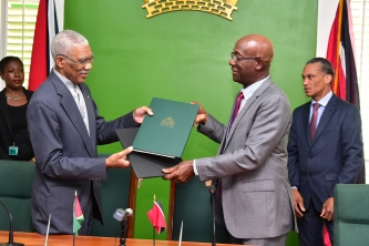 Prime Minister Rowley and President Granger Sign Energy MOU